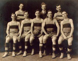 1915 ICU basketball team - web