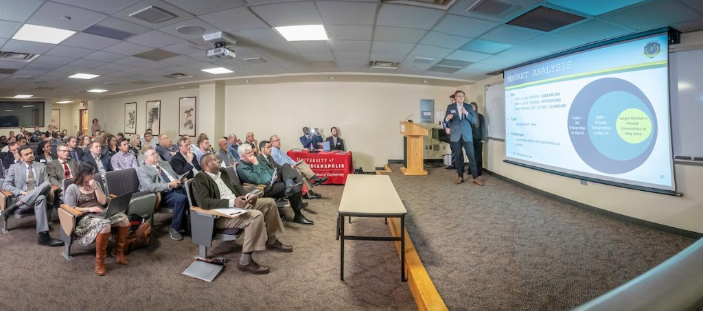 20190423_Engineering_Business_Pitches_48560-Pano